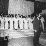 Coral da ETF/SC com o maestro Carlos Lucas Besen – década de 1970.