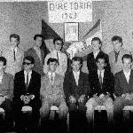 Diretoria do Grêmio Cultural Cid Rocha Amaral (entidade representativa dos estudantes) – 1963 – sentado, terceiro da direita para a esquerda, aluno e posteriormente professor, Oswaldino Argemiro Hoffman.